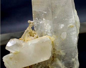 Large Natural Quartz Crystal Point Specimen from Skardu Pakistan  - Healing ~ Collectible ~  285 x 133 x 60 mm - 2855 gm