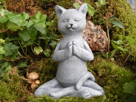 buddha cat statuemeditating catzen cat statueheart. Black Bedroom Furniture Sets. Home Design Ideas