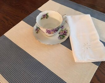 Set of 4 blue and white wide striped placemats