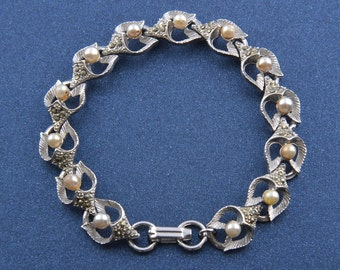 1950's Bracelet With Marcasite And Faux Pearls ( 894a)