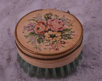 Petit Point 1930's Sewing Kit / Clothes Brush (947o)