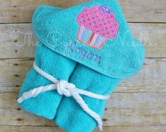 Cupcake Hooded Towel, Cupcake Bath Towel, Cupcake Birthday, Sweet Girl Towel, Sister Towel Set, Girls Hooded Towel, Baby Girl Towel, Girls