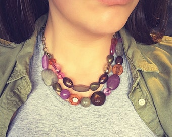 Short beaded bib necklace