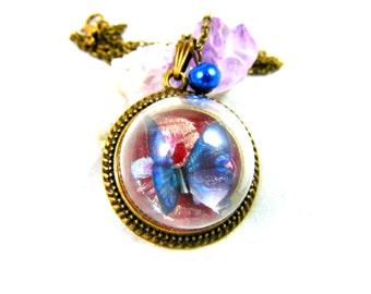 Necklace blue butterfly pendant varnished under dome / demi globe