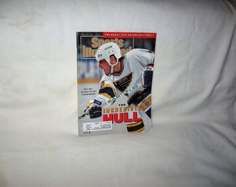 vintage 1991 sports illustrated magazine with brett hull on the cover  free shipping in the usa!