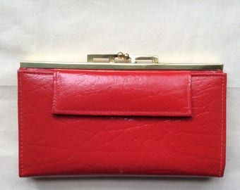 Vintage ladies leather wallet purse , red wallet, red purse, 70s.