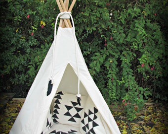 Mat and cushion covers for teepee tent