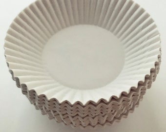 300 White Baking  Fluted Paper Liners Cake Pie Tart Candy