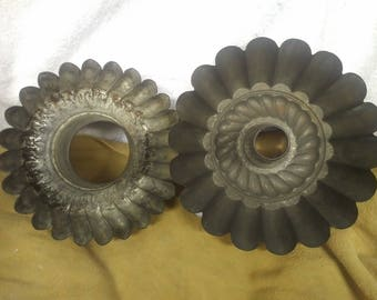 Set of 2 fluted tin bundt/jello pans