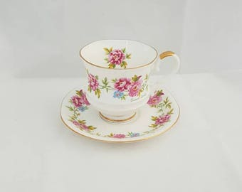 Vintage Royal ascot bone China england Queen's garden. Coffee Cup and saucer with gold edge. Missing tableware.