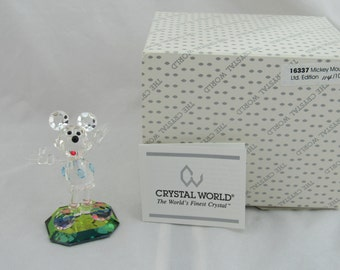Disney Crystal World Mickey Mouse Limited Edition Figurine #114/1000