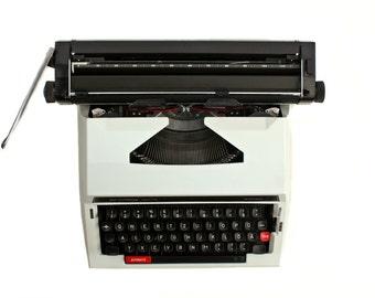Portable Typewriter Mechanical travel machine PRIVILEG 320 TR wide carriage