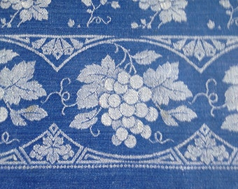 Tablecloth with grapevine, azurblau / white, rectangular