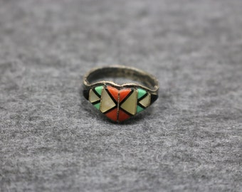 Sterling Silver Vintage Ring with Color Stones