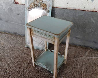 Small side table,   1:12