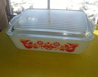 """Vintage 1970s Pyrex 503 """"Friendship"""" Pattern Glass Refrigerator Large Dish with Lid"""
