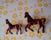 Horses Scatter Pins Brown Mother Horse and Foal Brooch Set of Two Hand Painted Enamel Pins Cowboy Cowgirl Horse and Animal Lovers Fun Gift