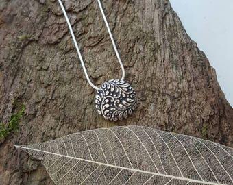 Fine silver leaf detail pendant