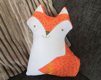 Cushion Fox embroidery