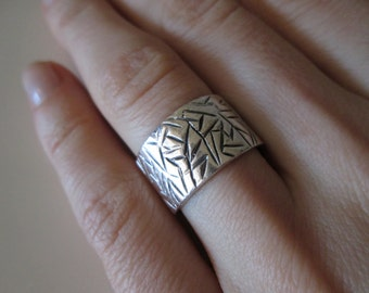 925 Sterling Silver Vintage carved thick band Ring, size 6