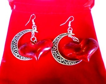 Crescent earrings and green/red heart