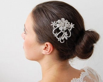 Gorgeous Diamante Hanging Flower Hair Comb