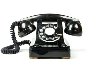 Fully Working and Completely Re-furbished Vintage Rotary Dial Phone - Model 302 - 1940's - Black
