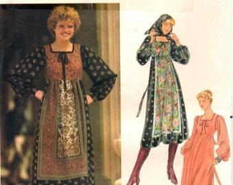 Butterick 5582 Charming Swiss Miss Dress & Scarf / ca. 1970's SZ12 UNCUT