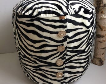 "Big firm ""zebra"" pouf"