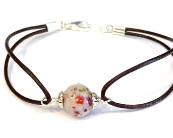 Memorial Bead Bracelet Using Dried Flowers