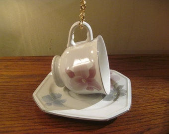 Vintage Japanese Teacup Bird Feeder. Very Pretty!