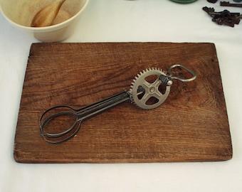 Vintage Mechanical Whisk - Egg Whisk