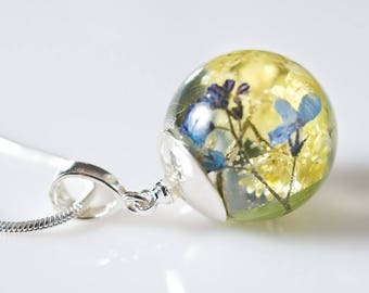 Forget-me-not resin pendant, Floral Jewelry, Botalical Necklace, Necklace with silver chain