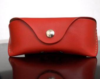 Red Leather Glasses case for Wayfarers Clubmasters Sunglasses case Veg tan leather Red Handcrafted by Celyfos®