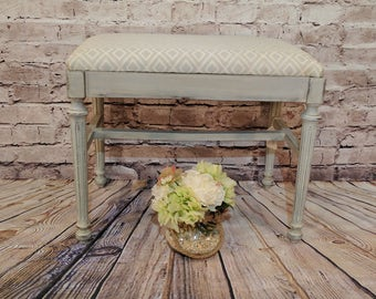 Bench - Shabby Chic in Grey and White for Entry, Bedroom etc.