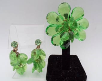 Hand wired green acrylic flower brooch and chandelier earring set AA857