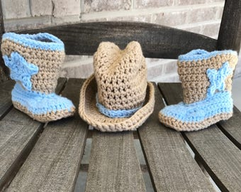 crochet baby cowboy boots and cowboy hat, baby boots, baby cowboy boots, baby cowgirl boots, child boots, infant cowboy hat outfit.