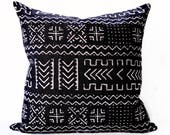 Mudcloth style pillow cover - Black and Cream Pillow - Black Mudcloth pillow - Mud Cloth Pillow - Tribal Pillow - African Pillow
