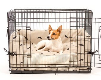 dog crate bumper and cushion in sophie allport labrador