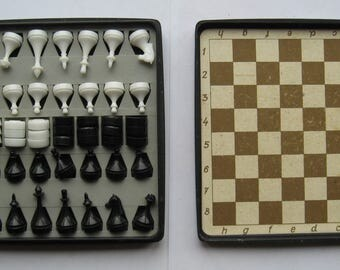 Vintage  Magnetic  TRAVEL CHESS Set USSR Soviet Era