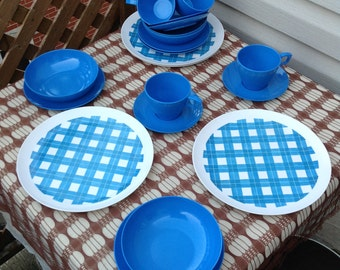 Vintage Melmac Plates/Aqua melmac/Dinnerware/20 pieces-Set/Retro/1960s Kitchen/Garden/Patio Terrasse/Pic-Nic