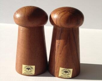 Salt and Pepper Shaker Genuine Teak Wood Baker Hart and Stuart made in Thailand Salt and Pepper Shakers