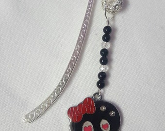 Little black skull charm bookmark