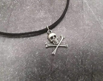 Skull head choker, skull necklace, silver color, black suede cord, grunge 90's, skull jewelry, gift under 10