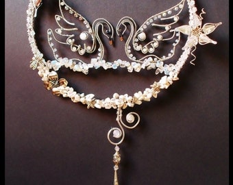 Wire wrapped Suncatcher with Swans