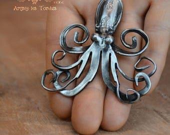 Octopus pendent 1