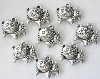 5 Pcs Tiger Charms Antique Silver Tone 2 Sided 14x13mm - YD1579