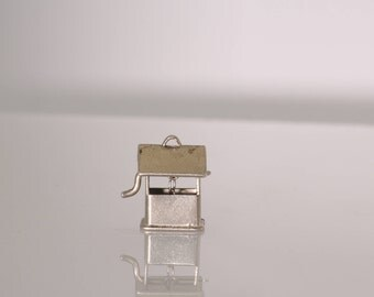 Wishing Well with Turning Wheel Charm. Vintage, Estate 1960s. Sterling Silver/SS. Moving Parts. Cute  et207