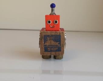 Robot, robot sculpture, assemblage art, robots, assemblage, found object art, found object robot, robot art, robot gift, tiny robot