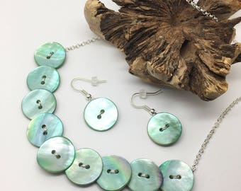 Mother of Pearl button jewellery set. Necklace and earrings. Gift for seamstress. Sewing gift.